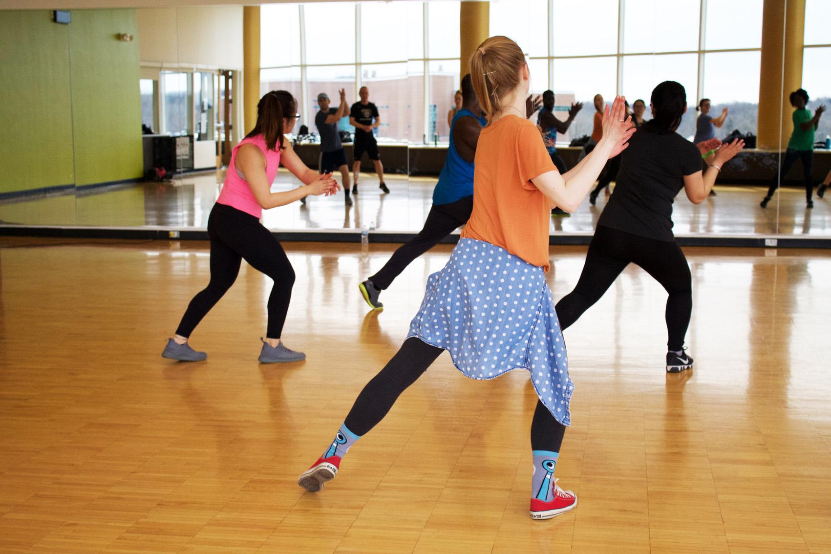 ダンス 痩せる 二 キロ 週間 で 十